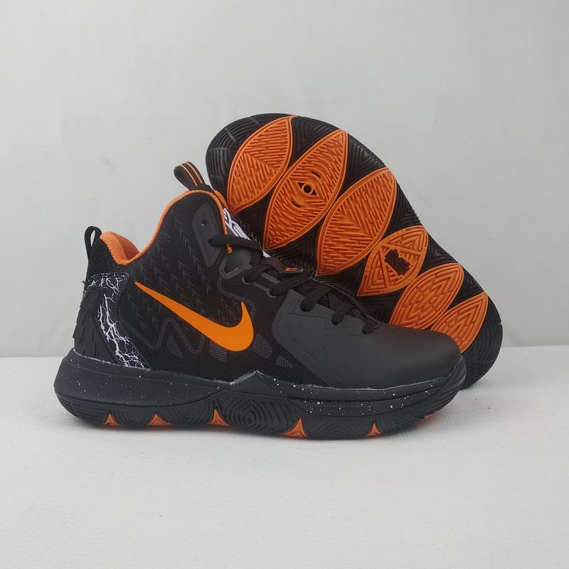 Nike Kyire 5 Black Orange-logo